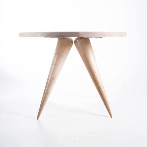 JK. – Tisch MARIKEN