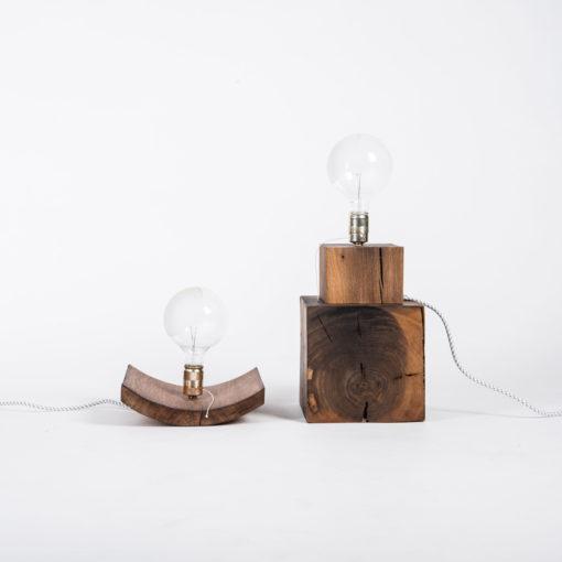 Lampe BALDUR und Lampe ELLEN auf Würfel ALTO, JK. Designermöbel